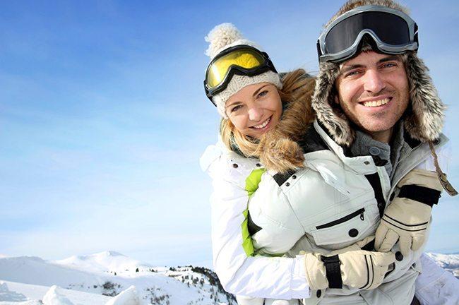 Happy Skiing coupel skiing