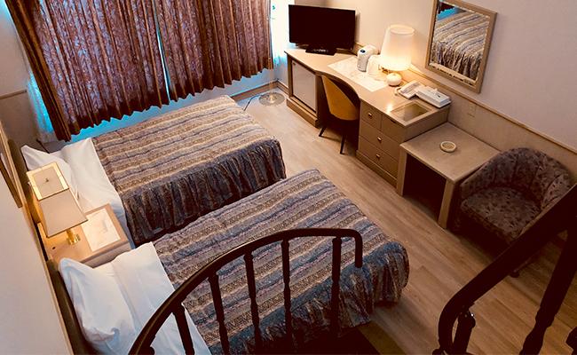 room006